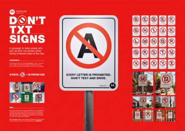 Motorola: Don't Txt Signs [image] Outdoor Advert by F.biz, Monstro Filmes
