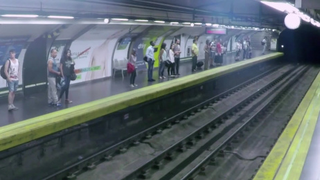 Sony Pictures: No Metro Ambient Advert by Division Q, Shackleton Spain