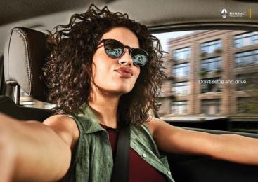 Renault: Selfie, Girl Print Ad by Neogama