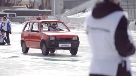 Smartpolis Insurance: Car Curling Ambient Advert by RA Voskhod