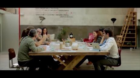 Hendrick's: Enajenatorium theatre show Ambient Advert by FCB Madrid