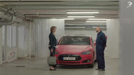 Omo: Car wash [60 sec] Film by Bacon, Try/Apt Oslo