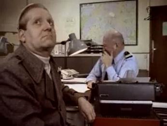 N9uf Telecom: THE POLICE STATION Film by Ogilvy Paris