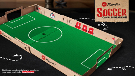 Pizza Hut: Have fun staying at home - Soccer Box Print Ad by DDB Ecuador