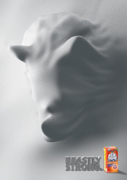 Hefty: Beastly strong - Rhino Print Ad by Miami Ad School Miami