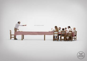 Federópticos: Sunday Print Ad by Y&R Labstore Madrid