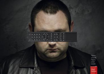 Chiado Publishers: TV Control Print Ad by McCann Lisbon