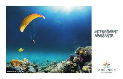 Ile de la Reunion Tourisme (IRT): Paragliding Print Ad by Havas Reunion