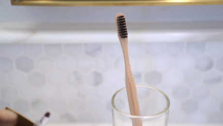 Goodwell Co.: Toothbrushes That Don't Last, 2 Film by Undnyable