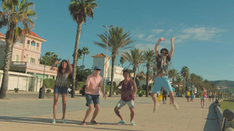 Dé VakantieDiscounter: Holiday cliché, 9 Film by this that + the other & Unit CMA