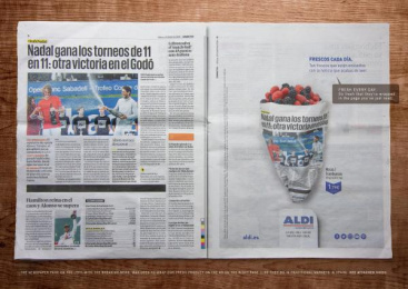 Aldi: Fresh Prints - Berries Print Ad by McCann Madrid