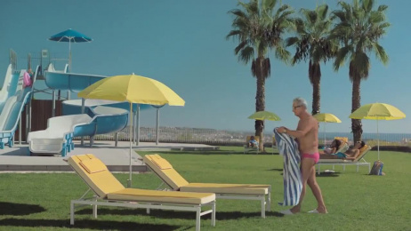 Dé VakantieDiscounter: Holiday cliché, 2 Film by this that + the other & Unit CMA