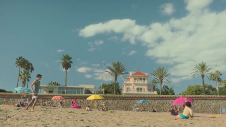 Dé VakantieDiscounter: Holiday cliché, 10 Film by this that + the other & Unit CMA