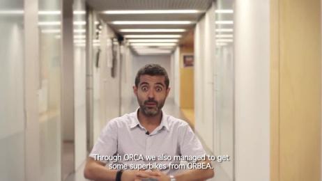 Orca: Garmin Barcelona Triathlon Ambient Advert by Tiempo BBDO