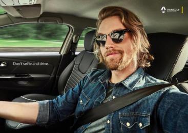 Renault: Selfie, Boy Print Ad by Neogama