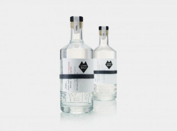 LONEWOLF: LONEWOLF SPIRITS, 1 Design & Branding by B&b Studio London