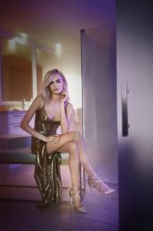 Jimmy Choo: Shimmer in the Dark [image], 1 Print Ad by Image Work