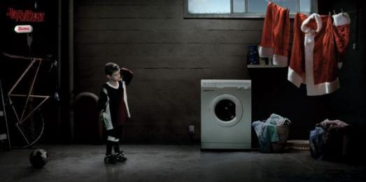 Tylenol Pain Killer: Santa Print Ad by Vale Euro Rscg Mexico
