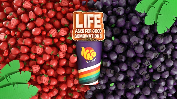Life Asks for Good Combinations - Strawberry and Açaí
