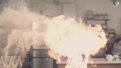 "NTT DoCoMo: 3-SECOND COOKING   ""SHRIMP FRYING CANNON"" & ""SUPER FRIED DUMPLING"" Film by AOI Pro., Ntt Advertising, Tokyu Agency"