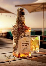Jack Daniel's Tennessee Whiskey: Beach Bar Bees Print Ad by Arnold Furnace Sydney, Cream Studios