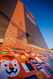 Orange: The largest wrapping paper, 4 Outdoor Advert by Publicis Brussels