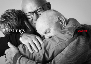 Canon: #FirstHugs, 4 Print Ad by Happiness Brussels