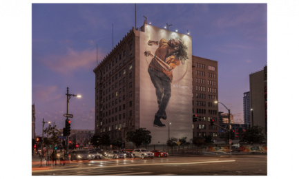 AirPods Pro: AirPods Pro, 7 Outdoor Advert by Apple Cupertino, TBWA\Media Arts Lab Los Angeles