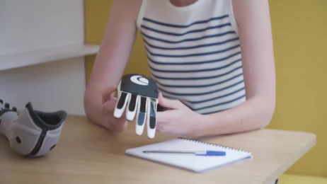 Huawei Mate10 Pro: Sam OpenBionics Film by Doner