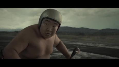 Bajaj Electricals: Sumo Wrestlers Riding Film by Ogilvy & Mather Mumbai, Pale Blue Dot