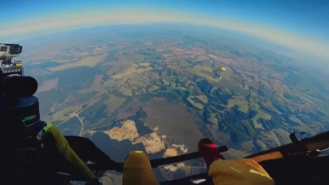 Shell Helix: Skydiving Car  Film by Landia, Wunderman Sao Paulo