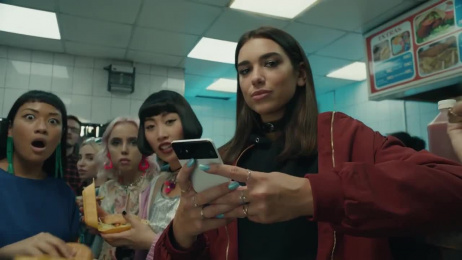 Google Pixel 2: Ask More Of Your Phone Film by Droga5 New York, Reset