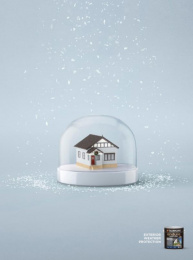 Taubmans: Blue Snow Globe Print Ad by Limehouse creative, Naked Communications