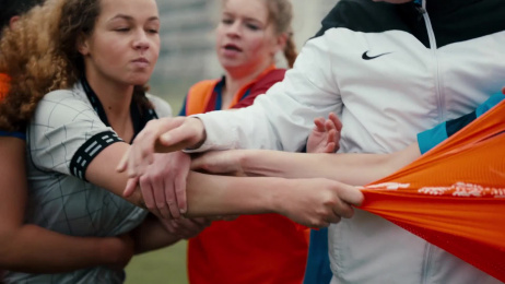 ING: ING. Proud sponsor of Holland's training vests. Film by J. Walter Thompson Amsterdam, Pink Rabbit