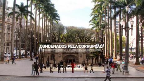 O Estadao De Sao Paulo: Huge Mirror, 3 Ambient Advert by Momentum Sao Paulo