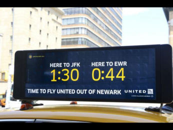 United  Airlines: Real-time Taxi Display, 2 Ambient Advert by mcgarrybowen New York