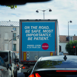 Ouigo: Traffic Jam, 5 Outdoor Advert by Partizan, Rosapark Paris, ZenithOptimedia Paris