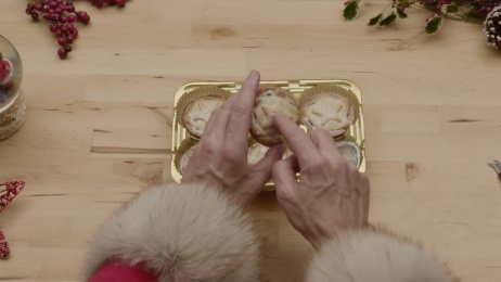 Mince Pies: Unboxing Film by Karmarama London, Kream