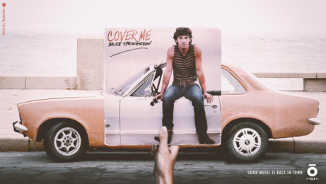 Océano FM: Good music is back in town, 2 Print Ad by Amen Montevideo