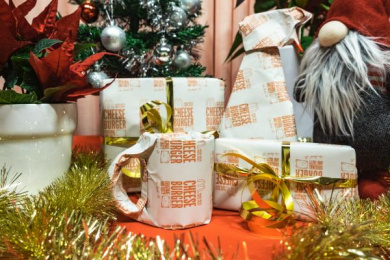 McDonald's: Gift Wrap Redeemed for a Cheeseburger, 1 Direct marketing by DDB Stockholm