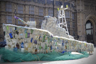 Surfers Against Sewage: Wasteland Warship Ambient Advert by M&C Saatchi London