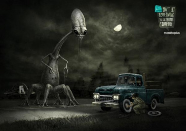Menthoplus Candies: Road Print Ad by Y&R Buenos Aires