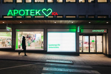 Apotek Hjärtat: Light Therapy, 2 Outdoor Advert by Wenderfalck Stockholm